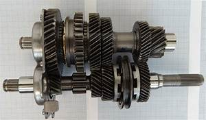 Input And Output Shaft Of The Passenger Car Gear