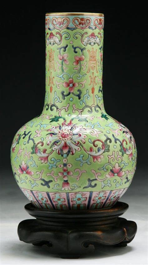 chinese antique famille rose porcelain vase