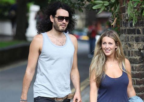 russell brand website katy perry s ex russell brand engaged to pregnant