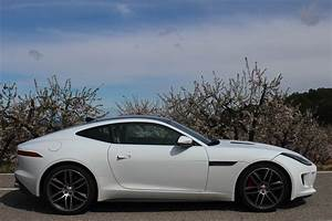 Jaguar F Type Cabriolet : essai vid o jaguar f type coup rigide mais pas triste ~ Medecine-chirurgie-esthetiques.com Avis de Voitures