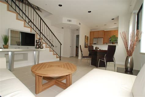 3 story 3 bedroom temporary apartments in los angeles