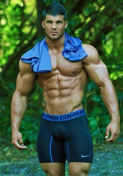 bodybuilder big lycra hunk tatto bulge bonner and fashion