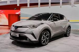 Toyota C Hr 2016 : scion ia im small cars c hr crossover turn into toyotas next year ~ Medecine-chirurgie-esthetiques.com Avis de Voitures