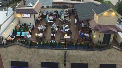 bourbon street rooftop bar   york nyc  rooftop guide