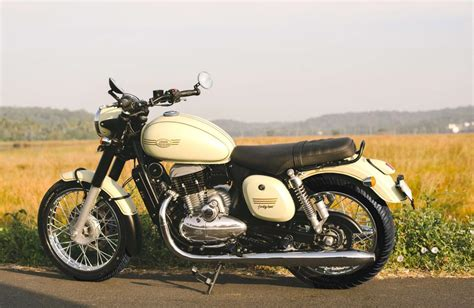 meet  entry level jawa  rivalling  classic