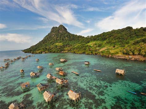 malaysia semporna borneo aerial shot  semporna island