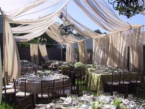 advantages   outdoor wedding reception weddingelation