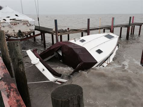 Boat Salvage Mi boat salvage lake huron tow boat us port huron