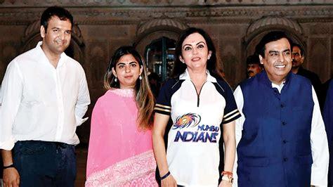 mukesh ambanis daughter isha  marry anand piramal