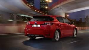 Lexus Ct 200h : 2015 lexus ct 200h price and specification lexus ~ Medecine-chirurgie-esthetiques.com Avis de Voitures