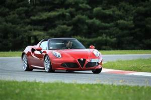 Alfa Romeo 4c Prix : essai alfa romeo 4c spider un joujou extra prix d 39 or photo 8 l 39 argus ~ Gottalentnigeria.com Avis de Voitures
