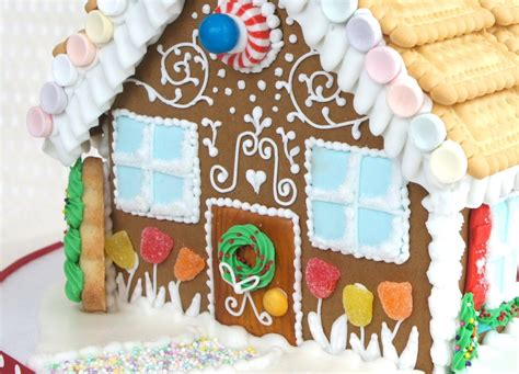 how to decorate a gingerbread house how to decorate a gingerbread house with royal icing how to make a ginger bread house youtube