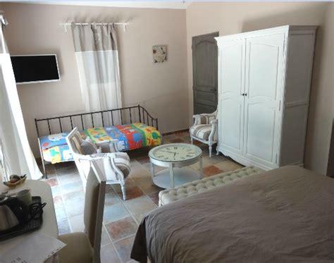chambre de parents nouveau un enfant dans la chambre des parents mes