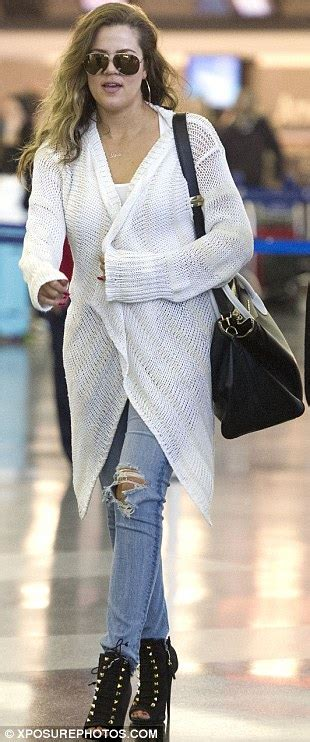 Khloe Kardashian continues to steal the spotlight from Kim ...