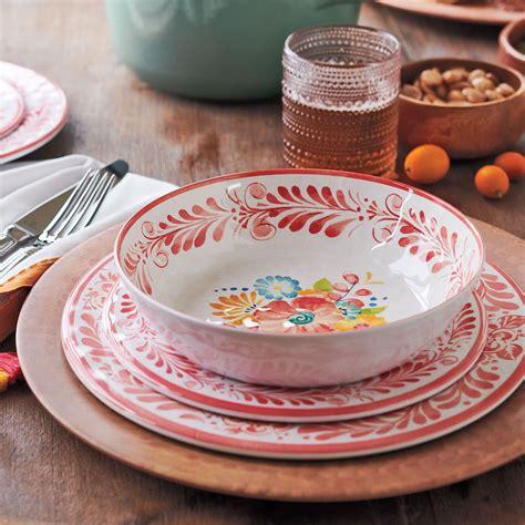 surlatable dinnerware