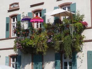 Japanischer Garten Auf Dem Balkon by H 228 Ngende G 228 Rten Paradiese Auf Dem Balkon Mit Stil
