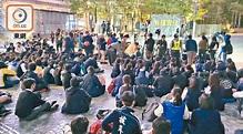 逾400中學生尖沙咀默哀 周梓樂家人發聲明感謝各方 - 東方日報