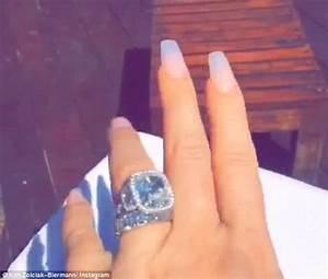 Kim Zolciak praises husband Kroy while flashing diamond ...