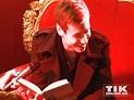 David Kross hat Spaß beim Vorlesen | TIKonline.de