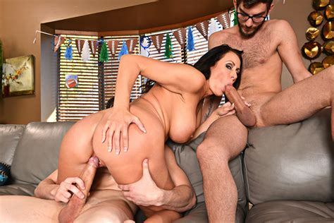 Milf Reagan Foxx Fucking In The Couch With Her Tits