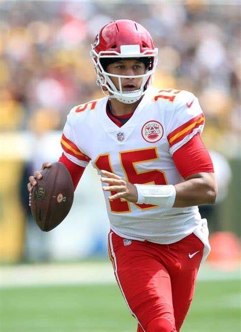 chiefs patrick mahomes sets nfl record  win  chiefs