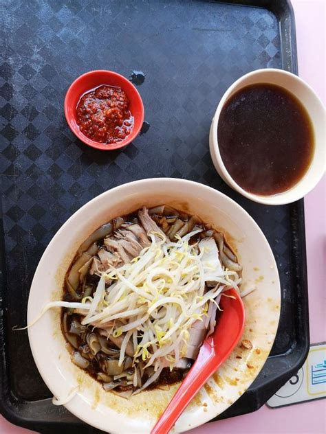 Bbq wings were hot, juicy and fall of the bone tender. Heng Huat Boon Lay Boneless Duck Noodles (Boon Lay Place ...