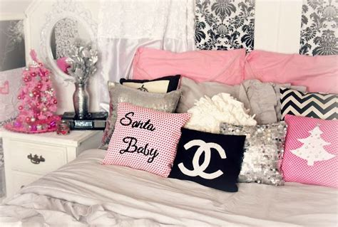 pink christmas themed room decor girly glam