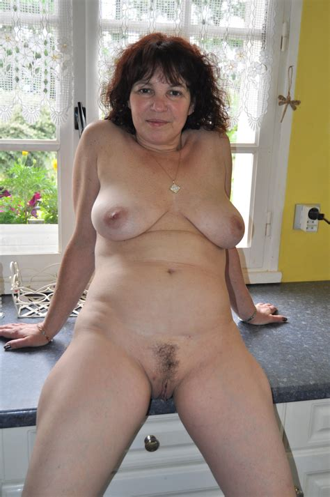 Milf Nude In Kitchen In Gallery Milf Nude In Kitchen Picture Uploaded By Alterzipfel