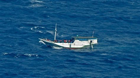 Asylum Boat Wake Up Call australian navy rescues 162 from asylum seeker boat cp24