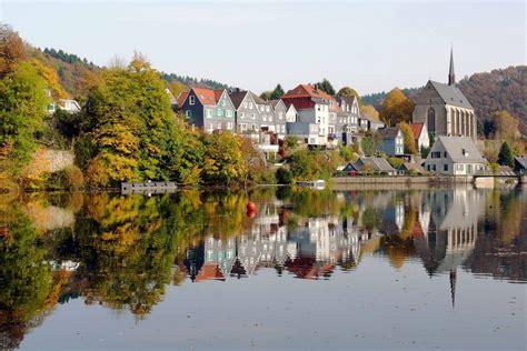 Häuser Kaufen In Wuppertal Beyenburg by Herbst Idylle Am Beyenburger Stausee Foto Bild