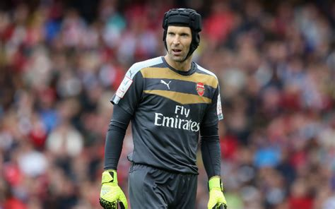 arsenal s petr cech admits he s surprised by chelsea crisis 101 great goals
