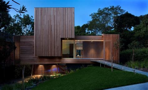 Environmentally Innovative Home by Innovative Glass Home Architecture By Vibe Design