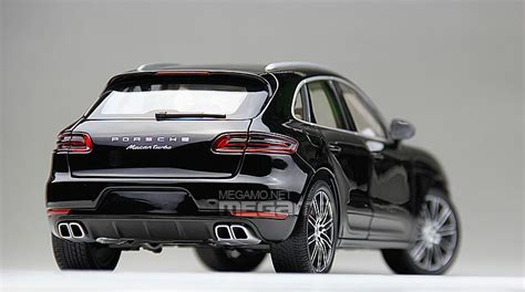 minichamps porsche macan turbo  black white