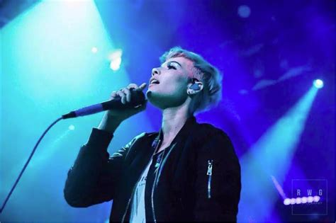 video review halsey   urban outfitters
