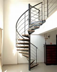 Escalier En Colimaçon : escalier en colima on marche en verre structure en ~ Mglfilm.com Idées de Décoration