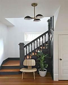 beautiful deco escalier bois ideas lalawgroupus With tapis de marche avec plaid canapé tendance