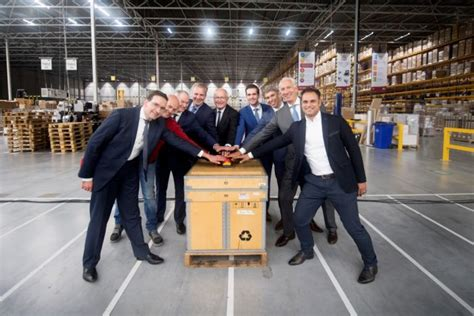 Medtronic And Ceva Logistics Open New Distribution Center In Holland