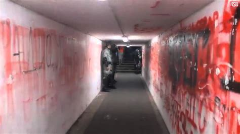 walking  players tunnel  marakana stadium