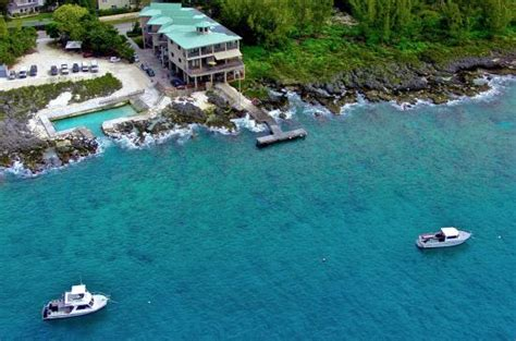 Dive Resorts Grand Cayman - lighthouse point dive resort in west bay grand cayman