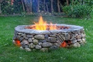 Feuerstelle Mit Sitzgelegenheit : 53 erstaunliche bilder von gartengestaltung mit steinen ~ Whattoseeinmadrid.com Haus und Dekorationen