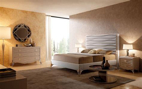 Camera da letto a tinte chiare Cose di Casa