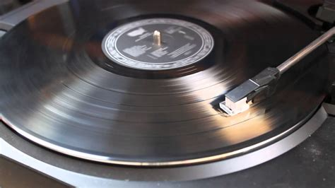 Record Spinning (no sound) - YouTube