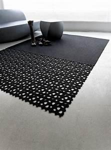 Teppich Grau Schwarz : 30 designer teppiche moderne traumteppiche ~ Markanthonyermac.com Haus und Dekorationen