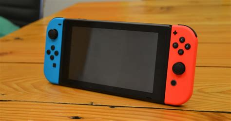 nintendo switch pro  reportedly launch   holiday