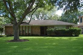 Ranch With Terrific Curb Appeal HWBDO76902 Ranch From BuilderHousePlanscom