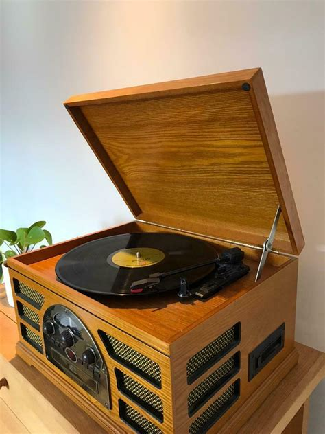 Crosley vintage style record player / turntable + CD/tape ...