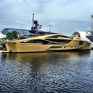QuotSuper Yacht KHALILAH 1575ft48m Palmer Johnson Gold