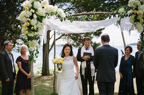Elements Of A Jewish Wedding Ceremony