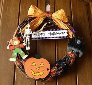 Decoration De Porte : 12 couronnes en d coration de porte sp cial halloween design feria ~ Teatrodelosmanantiales.com Idées de Décoration