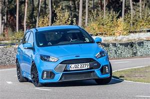 Ford Focus Rs Bleu : even more hardcore ford focus rs could be on the way report performancedrive ~ Medecine-chirurgie-esthetiques.com Avis de Voitures